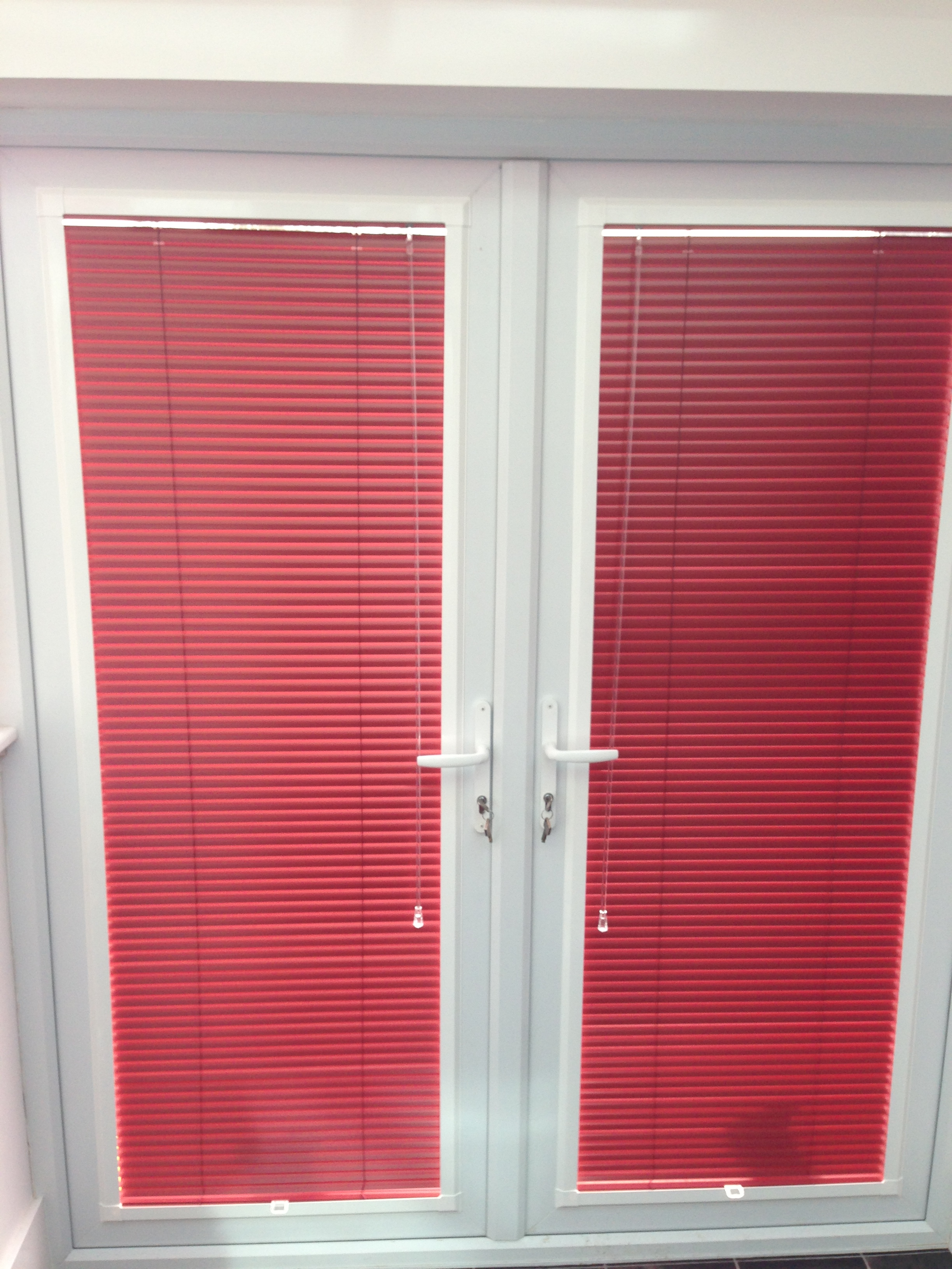cheap venetian blinds in portsmouth made to measure for. Black Bedroom Furniture Sets. Home Design Ideas